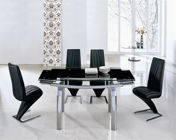 Delta extending glass table 6 chairs