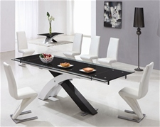XANTA EXTENDING GLASS DINING TABLE AND CHAIRS<br />