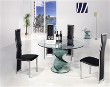 TWIRL CLEAR GLASS DINING TABLE AND CHAIRS<br />
